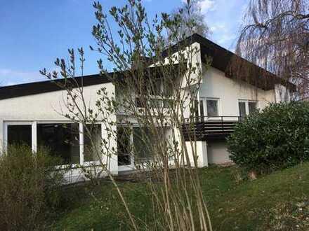 Schönes Einfamilienhaus mit fünf Zimmern in Reutlingen