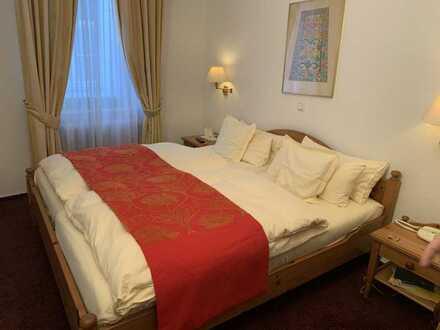 Ein besonderes Juwel, eine Wohlfühlstätte für Gäste bietet dieses kleine Hotel in Kaub am Rhein.