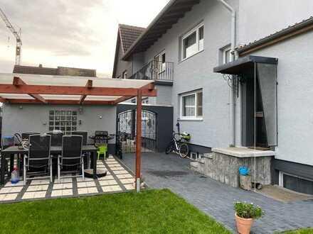 Wie DHH!! Maisonette- Wohnung mit eigenem Eingang, Garage, Garten und Terrasse in MA-Rheinau-Süd!