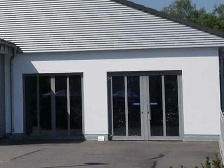 Vielfältige Nutzungsmöglichkeiten! Gewerbefläche in Neunburg v. W. zu vermieten