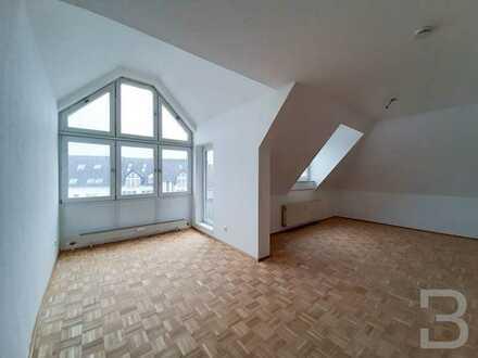 Stilvolle Dachgeschoss-Wohnung mit Terrasse.