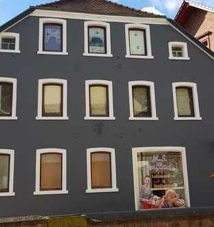 Modernisierte 2.5-Raum-DG-Wohnung in Altleiningen.
