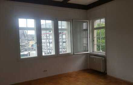 Große 4ZKB Wohnung in guter Lage