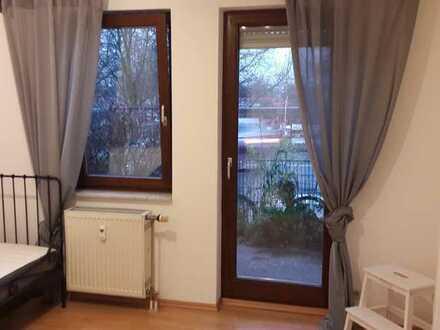 Schöne 1 Zimmer-Wohnung mit kleiner Terrasse (neu möbiliert)