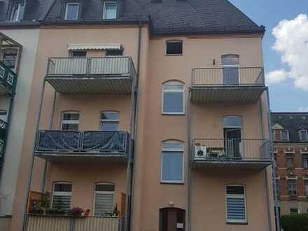 Sehr schöne helle Wohnung mit Balkon und Stellplatz
