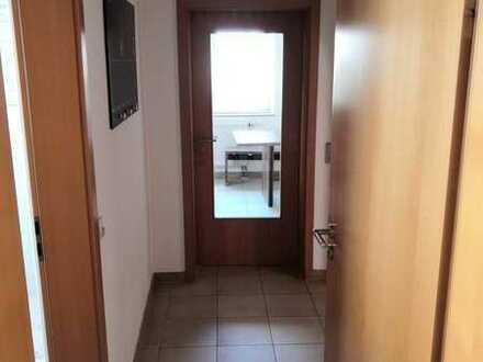 Helle, modernisierte 4-Zimmer-Wohnung mit Balkon und Einbauküche in Ostrach
