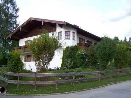 Exklusive, gepflegte 3-Zimmer-Wohnung mit Balkonen und Einbauküche in Bergen