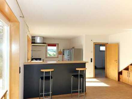 Schönes helles modernes Haus für Familie mit Büro und Atelier