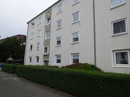 Besichtigung auch Samstag möglich. 3-Zimmer mit Wannenbad und Balkon...Frei ab sofort....