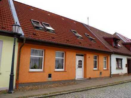 Stadthaus in Jarmen wartet auf neue Eigentümer!!