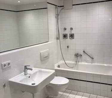 Erstbezug nach Sanierung: exklusive 2-Zimmer-Wohnung in Augsburg