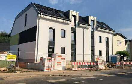 Neubau: Moderne, KfW 55 A+ ca. 106 m2 4 Zi. Wohnung im Erdgeschoss in der Schlossstadt Brühl
