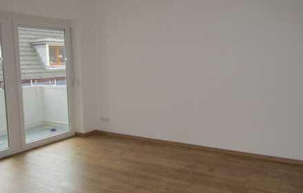 Sonnige, kernsanierte 3-Zimmer-Wohnung mit Balkon, direkte Innenstadtlage