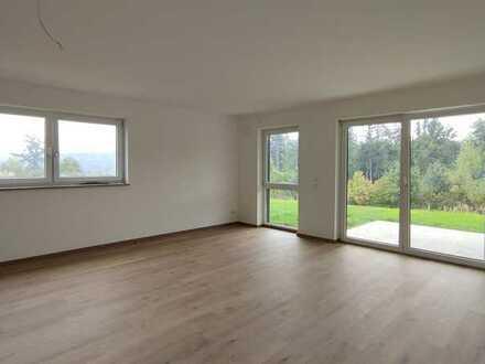 Erstbezug: attraktive 2-Zimmer-Erdgeschosswohnung mit Sonnenterrasse & Garten in Vilshofen