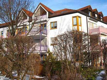 Stilvolle, vollständig renovierte 3-Zimmer-DG-Wohnung mit Balkon und EBK in Landsberg am Lech