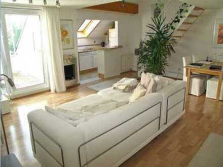 Schöne 3,5-Zimmer-Maisonette-Wohnung mit Dachterrasse und Einbauküche in Fellbach/Schmiden