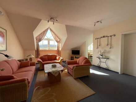 Elegante, gepflegte 2-Zimmer-Wohnung im DG im Kurring in Bad Rodach