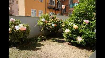 Ansprechende 2-Zimmer-EG-Wohnung mit EBK in Mülheim, Köln