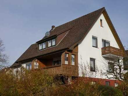 Ein-/Zweifamilienhaus auf großem Areal