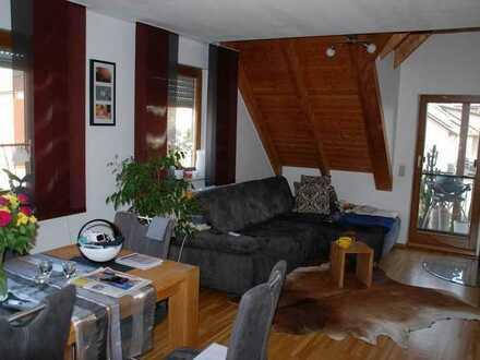 Gepflegte 3-Zi-Mais.-Wohnung mit 94m² - Balkon - Garage -Stellplatz