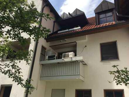 Gepflegte, renovierte 3-Zimmer-Wohnung mit Loggia im Herzen von Meitingen zu vermieten