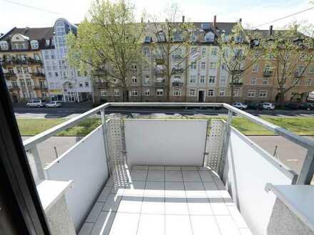 Schöne, helle 1-Zimmer-Wohnung mit Balkon und EBK in Karlsruhe-Weststadt