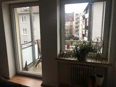 Helle, gepflegte 4-Zimmer-Wohnung mit 2 Balkonen fußläufig z. Alten Oper