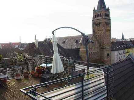 Traumhafte helle 4-Zimmer-Maisonette-Wohnung mit Dachterrasse