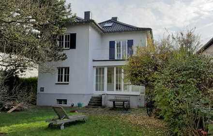 Geräumiges helles Einfamilienhaus in Godesberg-Villenviertel