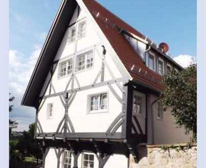 Schöne vier Zimmer Wohnung in Böblingen (Kreis), Leonberg