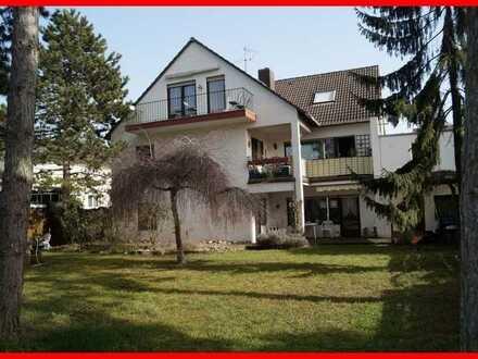 *** 3-Familienhaus mit zusätzlichem Bauplatz ***