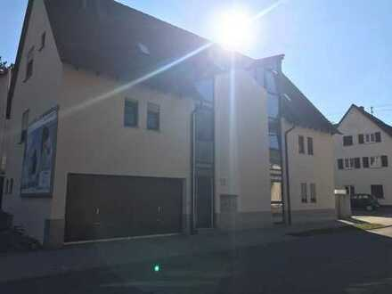 Stilvolle, gepflegte 1-Zimmer-Wohnung mit Balkon und Einbauküche in Nagold- Iselshausen