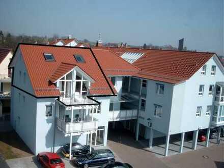 Schöne Dachgeschoss-Wohnung über zwei Etagen im Zentrum von Aglasterhausen