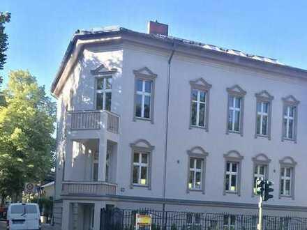 Exklusive 3-Zimmer-DG-Wohnung mit EBK in Zehlendorf, Berlin