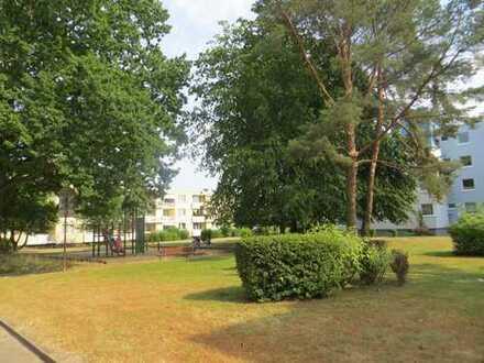 Modernisierte 4-Zimmer-Wohnung mit Balkon und EBK in Bielefeld
