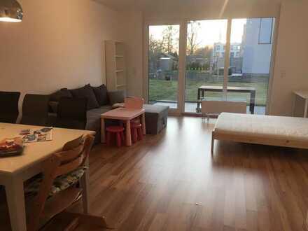 Kommunikative Mitbewohnerin für 3er-Haus-WG in Lankwitz gesucht