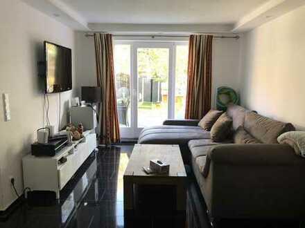 Frisch renoviertes Reihenmittelhaus mit fünf Zimmern in Hannover, Mittelfeld
