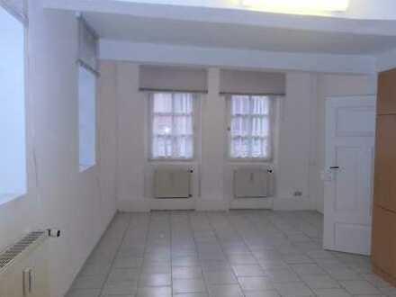 Schöne helle 2 Zimmer Wohnung in Bechtolsheim