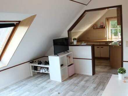 Gemütliche 1 - ZKB Dachgeschosswohnung in ruhiger Wohngegend von Bad Bederkesa