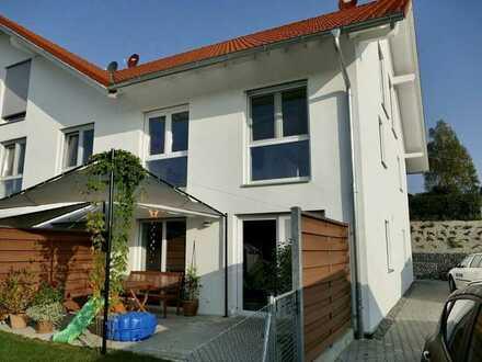 Neu! Wohnen mit Lebensqualität mit Terrasse und eigenem Garten in Hohenfurch