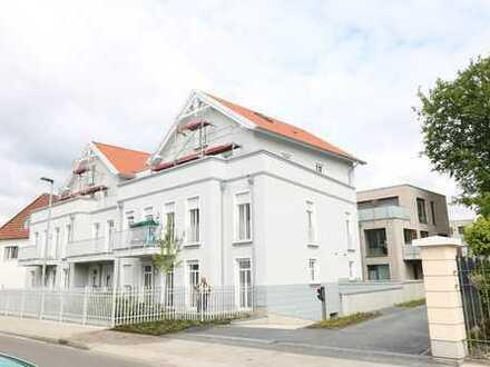 Exklusive, neue 3 Zi.- Komfortwohnung mit herrlichem Balkon, Lift und Tiefgaragenstellplatz