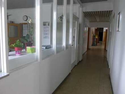 Büroetage in Kleingewerbe/ Wohnanlage Nähe City