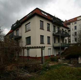 Schöne Wohnung mit Balkon in ruhigem Hinterhaus!