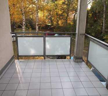 Schöne, helle zwei Zimmer Wohnung mit großem Balkon und PKW Stellplatz in Leipzig, Mölkau