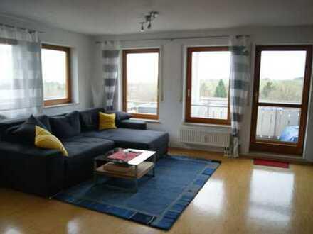Sehr gepflegte und helle 2-Zimmer-Wohnung in ruhiger Lage mit Balkon