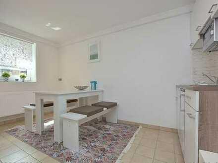 Komplett möbilierte stilvolle 2-Zimmer-Anlieger Wohnung in Böblingen