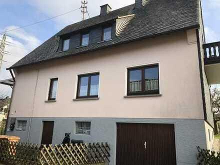 Günstige, gepflegte 3-Zimmer-Dachgeschosswohnung mit Balkon in Alsdorf
