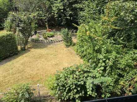 Mitbewohner für ein Zimmer gesucht mit großer Küche, Balkon und Garten