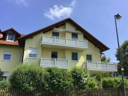 Helle Dachgeschosswohnung mit großzügiger Raumaufteilung - Langweid