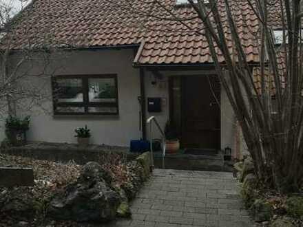 Maxi-Doppelhaushälfte in phantastischer Wohn- und Aussichtslage